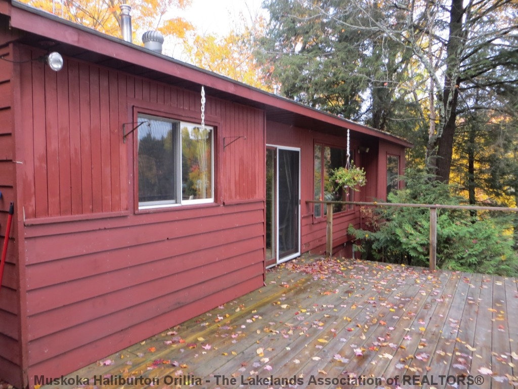 1043 Autumn Lane, Haliburton Ontario, Canada